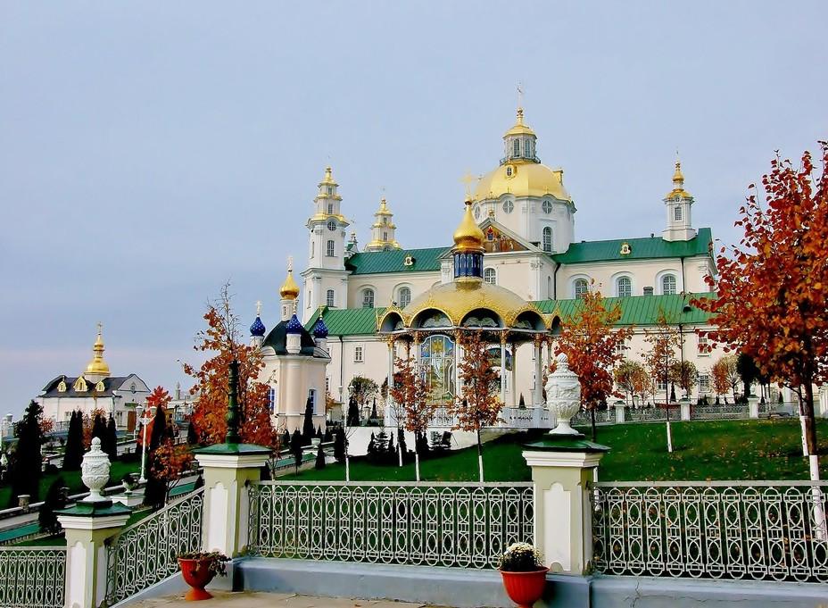 Братия Почаевской Лавры опубликовала обращение в связи с провокациями в СМИ