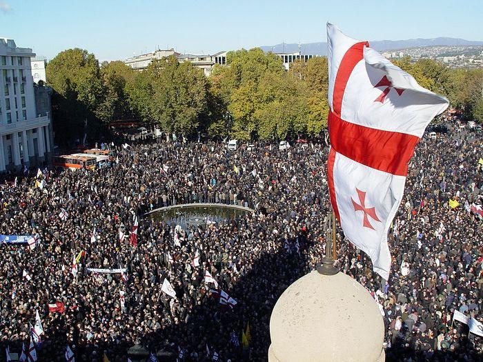 Манифестация на площади Свободы в Тбилиси