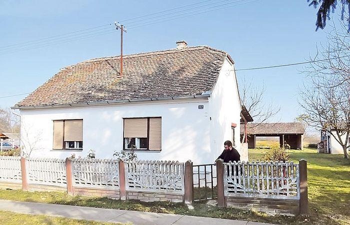 Кућанци: садашња кућа на месту родног дома патријарха Павла (Фото др Драго Милошевић)