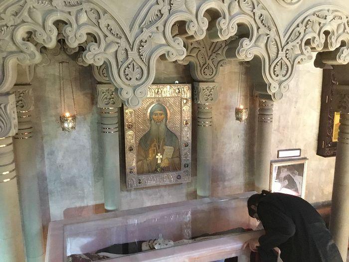 Мощи прп. Гавриила в монастыре Самтавро