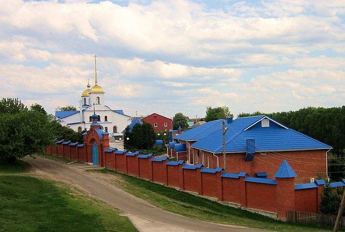 На фото: современный вид Казанского женского монастыря Курской митрополии