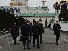 Pressure on Pochaev Lavra continues as state reps inspect artifacts based on Soviet-era registration