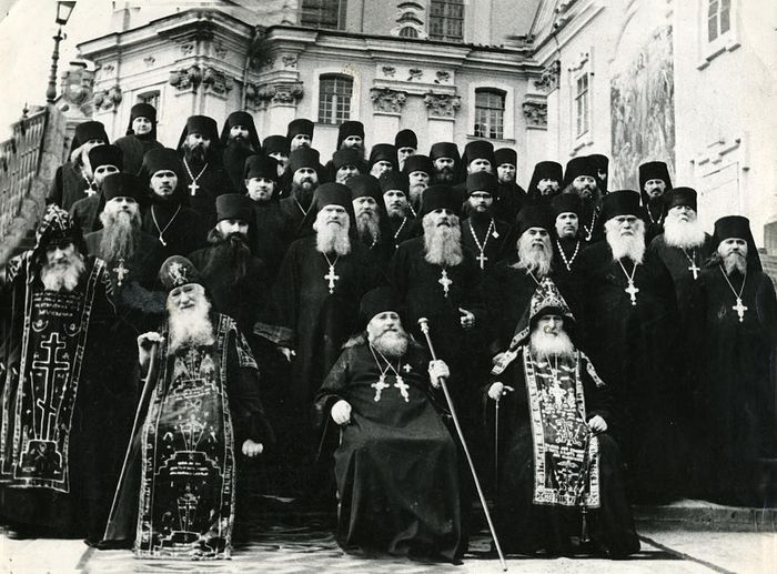 The Pochaev brotherhood in the 1960s—confessors of the time of the Krushchev persecutions.