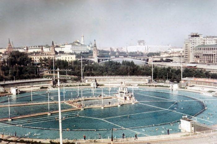 Бассейн «Москва»