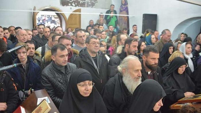 Око 1000 верника окупило се у Манастиру Девич како би прославили Славу ове Свете обитељи