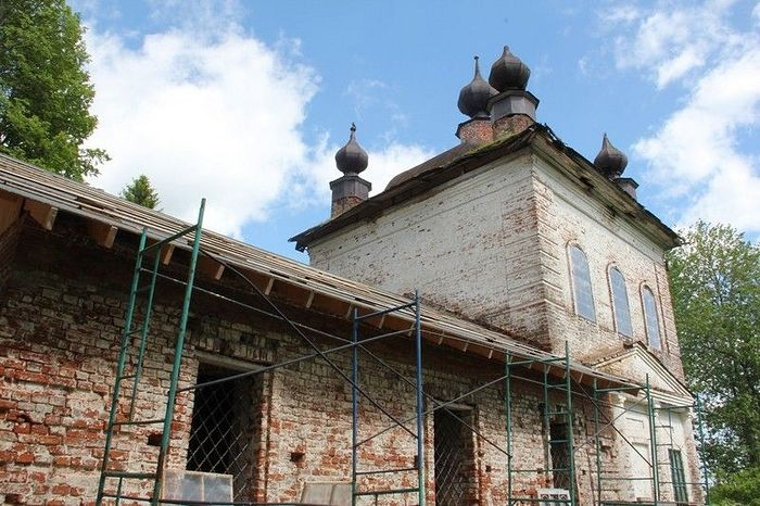 The Church of the Icon of the Savior not Made by Hands in the village of Spas-Lom