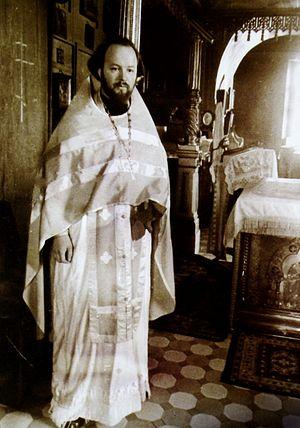 Протоиерей Валериан Кречетов в Покровском храме в Акулове. 1970-е годы