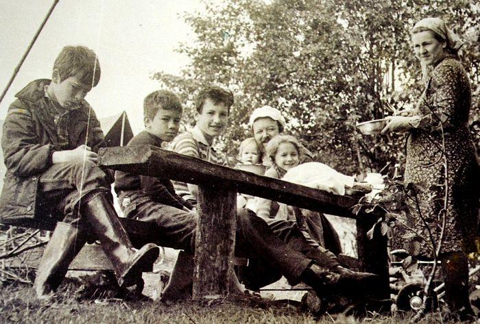 В походе. Село Ченцы. 1978 г