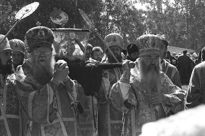Перенесение мощей преподобного Серафима в Дивеево