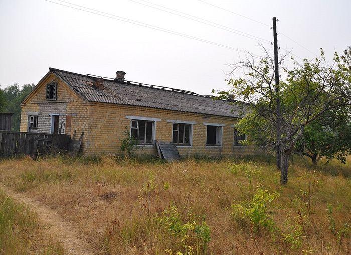 Здание на станции Фосфоритная