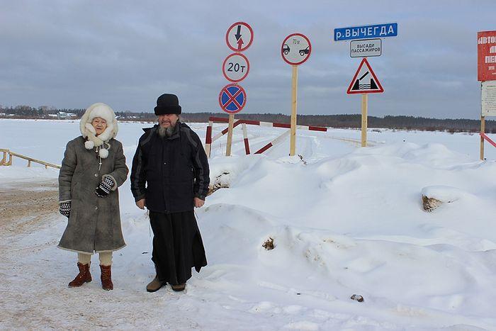 Добраться в Сейты зимой можно только через ледяную переправу