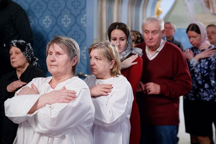 Екатерина Александровна крайняя слева