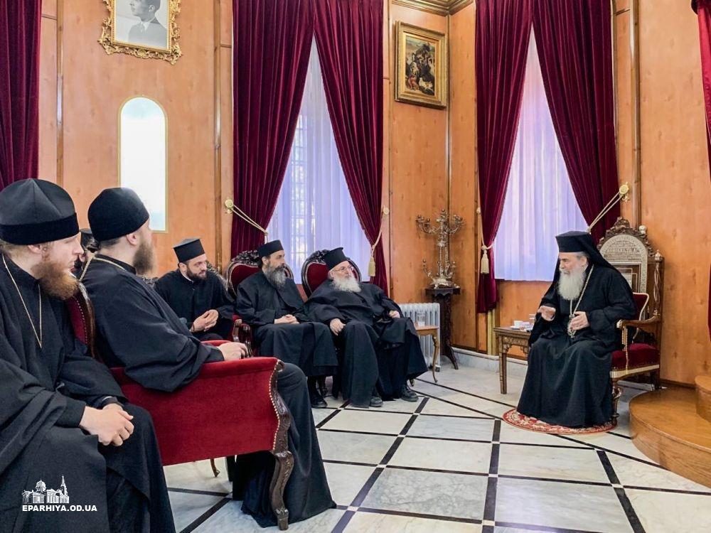 Блаженнейший Патриарх Иерусалимский Феофил принял паломников с Украины
