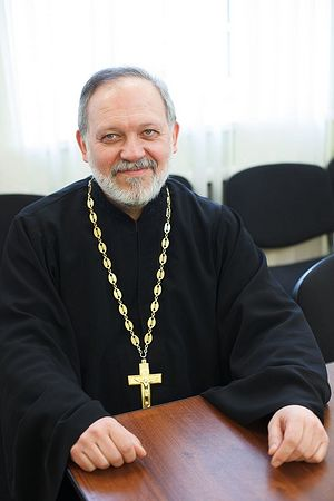 Священник Александр Дьяченко