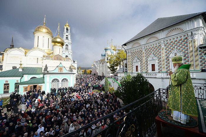 Patriarchal service on the day of the Repose of St. Sergius of Rodonezh. Divine Liturgy at the Holy Trinity-St. Sergius Lavra. Photo: Oleg Varov/Patriarchia.ru.