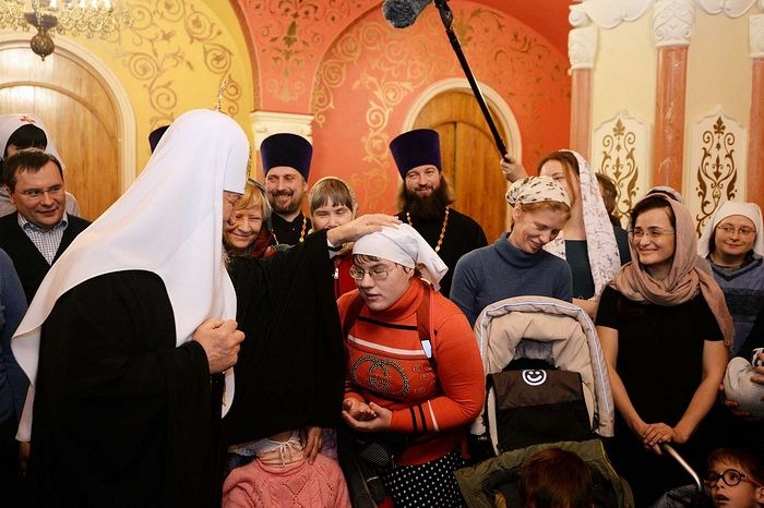 Meeting with the staff and students of the Orthodox Mercy service. Photo: Sergei Vlasov/patriarchia.ru