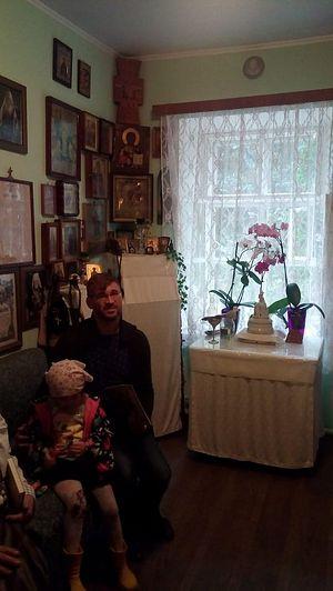 Семья Нечаевых в келлии отца Иоанна