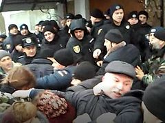 Schismatics and police beat canonical priest in Ternopil (+ VIDEO)