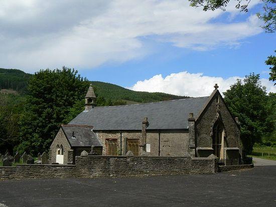 Церковь св. Кадока в Глиннете