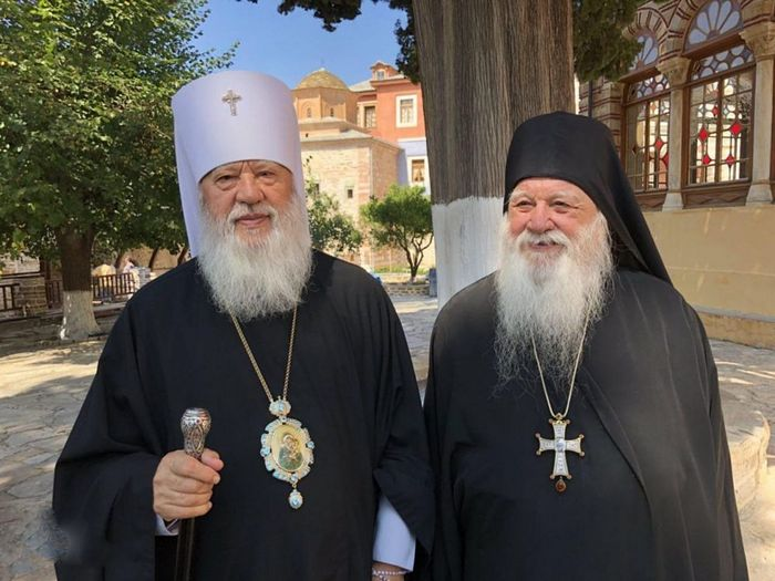 Met. Agafangel (left), Abbot Alexios (right). Photo: romfea.gr