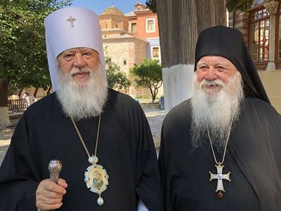"Ukrainian metropolitan to Abbot Alexios of Xenophontos: ""Whoever serves with schismatics also becomes a schismatic"""