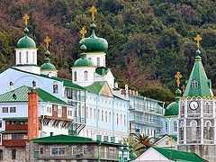 St. Panteleimon's Monastery on Mt. Athos closes its gates to schismatic bishop