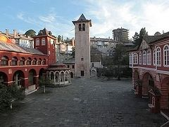 Seven monks leave Vatopedi Monastery on Mt. Athos after visit of Ukrainian schismatic delegation
