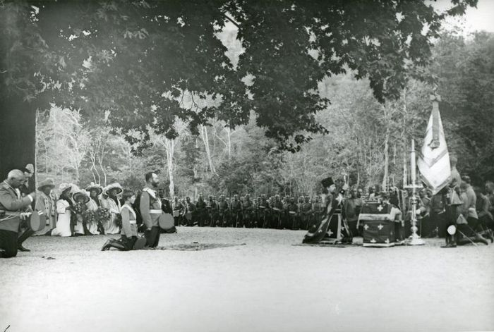 At a moleben during the review of the 52nd Vilna regiment. Theodosius 1911