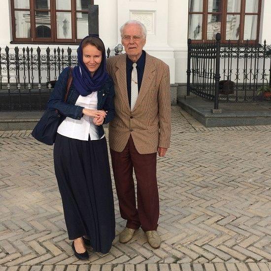 Александра Никифорова и Михаил Литвиненко у захоронения П.А. Столыпина в Киево-Печерской лавре