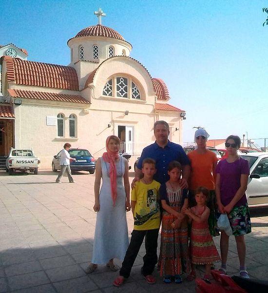 Семья Поваровых на Крите