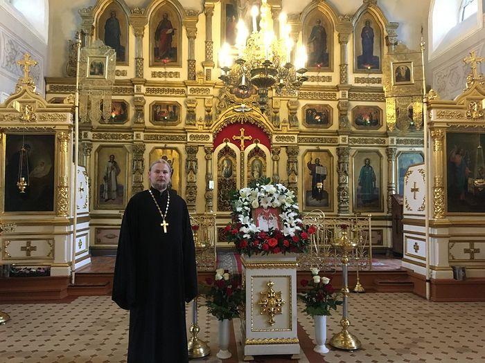 Отец Сергий в Благовещенском храме Козельска