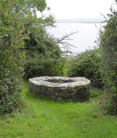 The holy well on Inis Cealtra (Oliver Dixon, Geograph.ie)