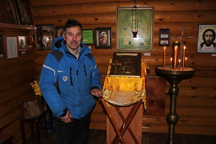 Герасим Логинов в часовне Св. Николая