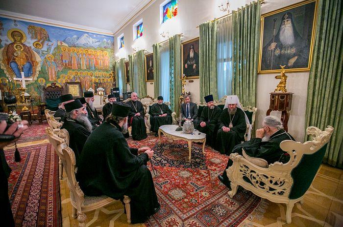 Управляющий делами УПЦ встретился с Патриархом Грузии Илией ІІ