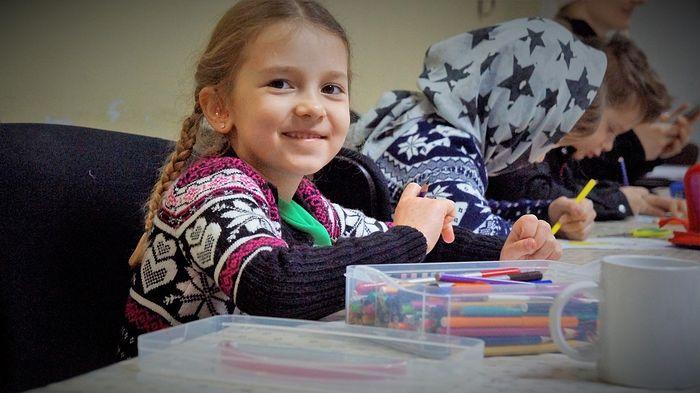 В Москве открылась новая воскресная школа для детей с нарушением слуха
