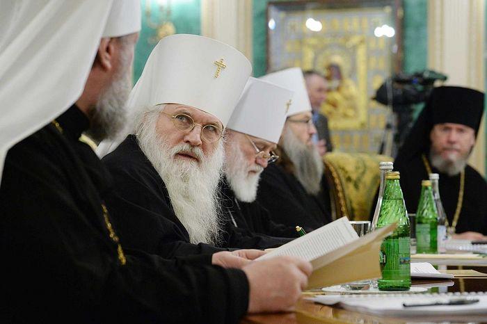 Священный Синод утвердил текст молитвы на принятие лекарства и инаго врачевания