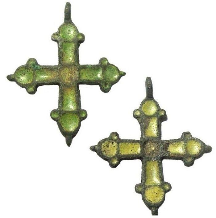 Нательные кресты. XI–XIII века