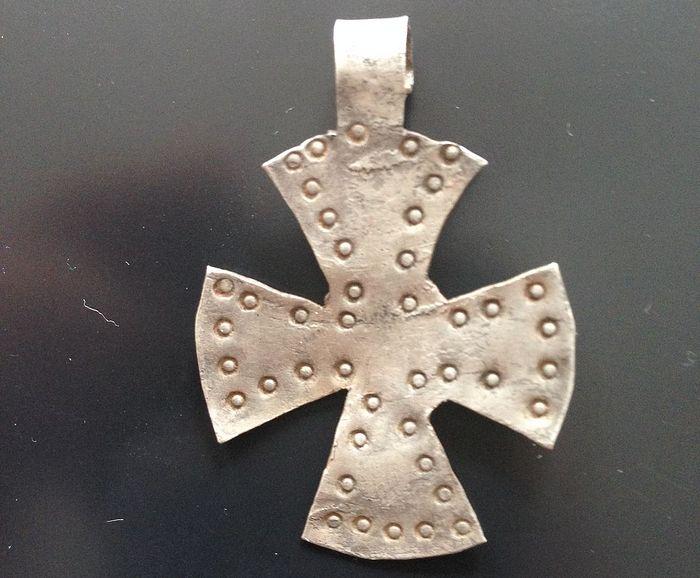 Крестовидная привеска «скандинавского типа». IX век