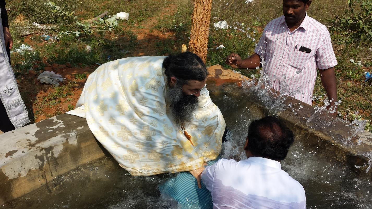 47 Protestant pastors, 350 people baptized into holy