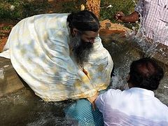 47 Protestant pastors, 350 people baptized into holy Orthodoxy in India