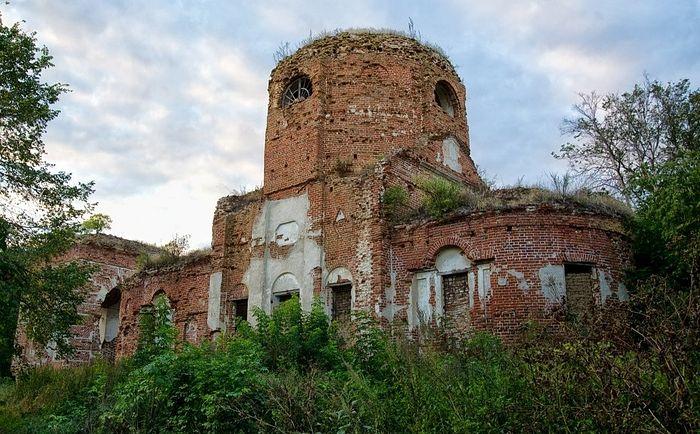 Троицкая церковь в селе Караул