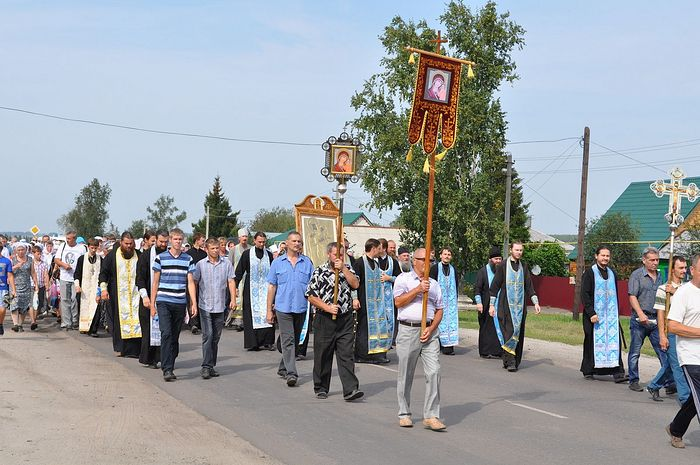 Кресный ход в Инжавино с Карандеевской иконой «Всех Скорбящих Радость»
