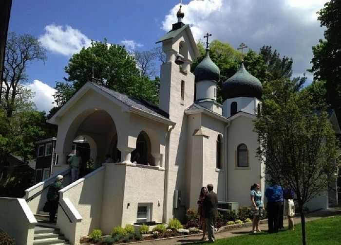 Представители РПЦЗ выступили в защиту прав канонической Церкви на Украине