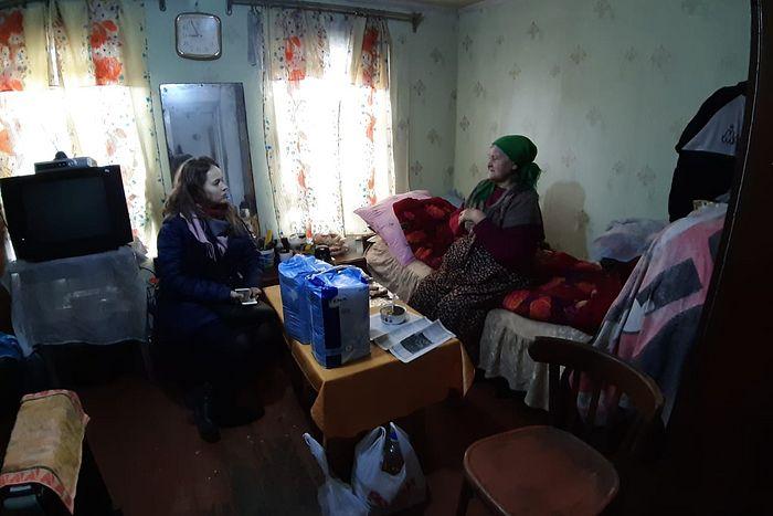 Руководитель направления помощи в ЧС Синодального отдела по благотворительности Полина Юферева посещает русские семьи