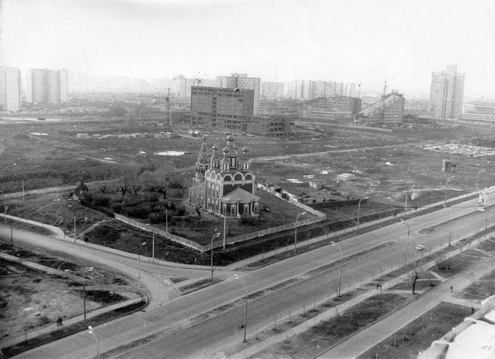 Храм Архангела Михаила в Тропареве. 1982 год