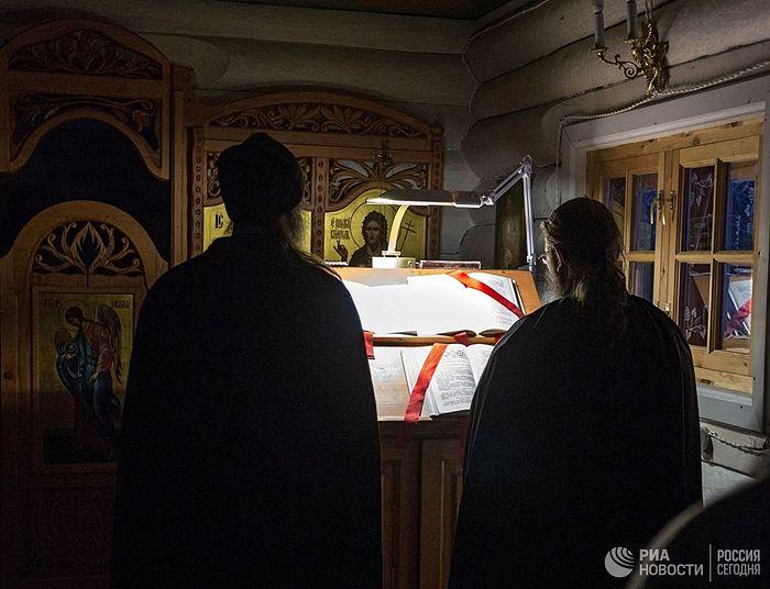 Служба в храме Иоанна Предтечи