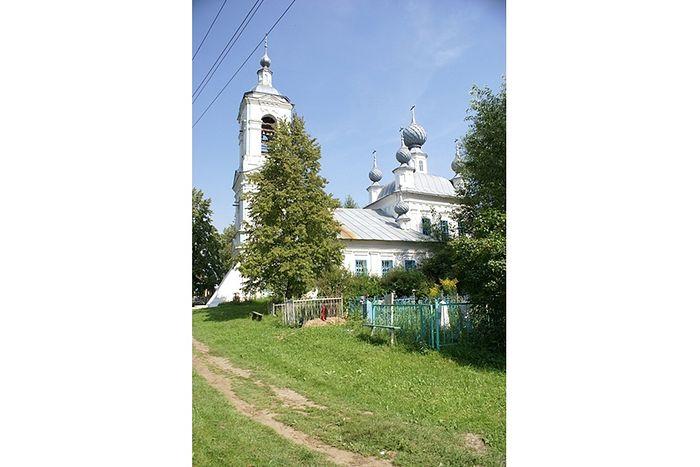 Храм Рождества Пресвятой Богородицы в селе Жарки