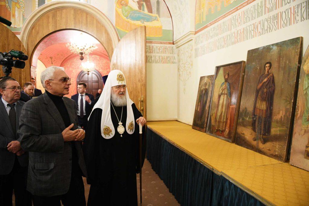 Русской Церкви переданы десять дореволюционных икон, хранившихся в фондах «Мосфильма»