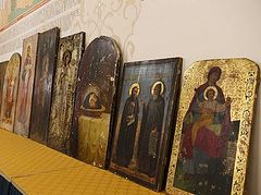 10 pre-revolutionary icons stored by film studio returned to Russian Church