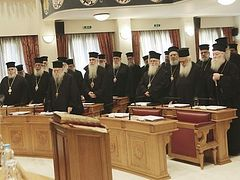 Greek Church rejects proposed change in clergy payment from state